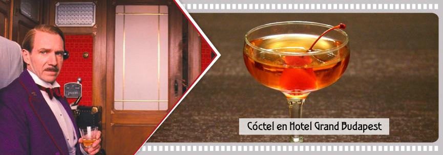 Cóctel clásico con cereza confitada con rabo en Hotel Grand Budapest.