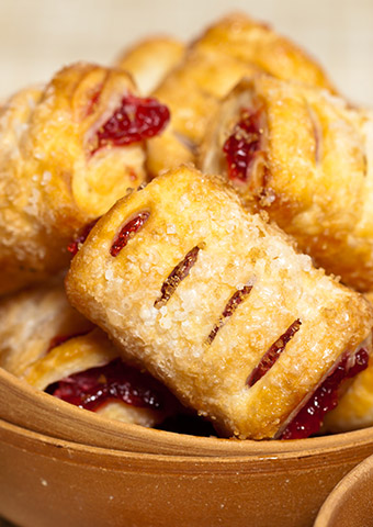 Descubre nuestros geles de frutas para decorar pasteles y otros productos de decoración y relleno.
