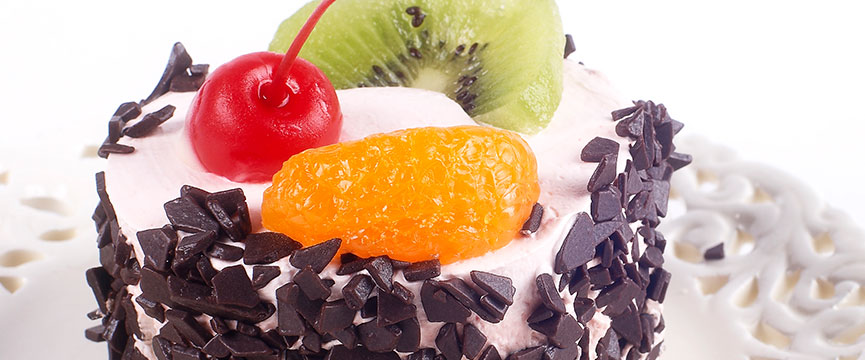 Candied-fruit-in-commercial-bakery-goods