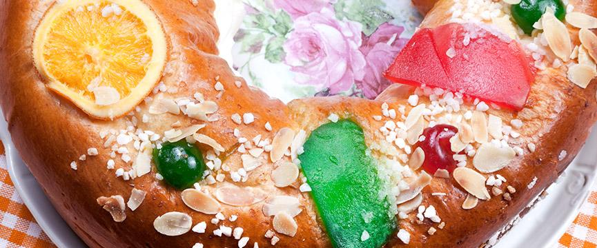 Elaboración del Roscón de Reyes con fruta escarchada