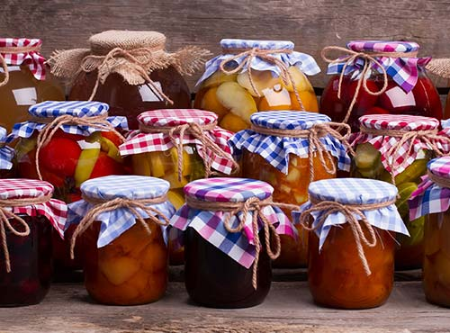 The origin of candied fruits and fruit jam is to be found in the human need of devoting time to other activities apart from looking for fresh food.