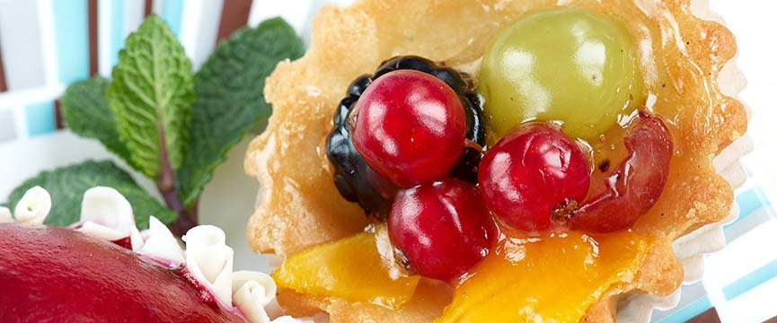 Pastries with sugar free preserved fruit and candied fruits are a sweet pleasure available for all.