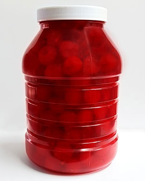 Special needs of the Horeca business require an appropiate answer: pasteurized plastice containers for glace cherries are a convenient solution for large-scale kitchens.
