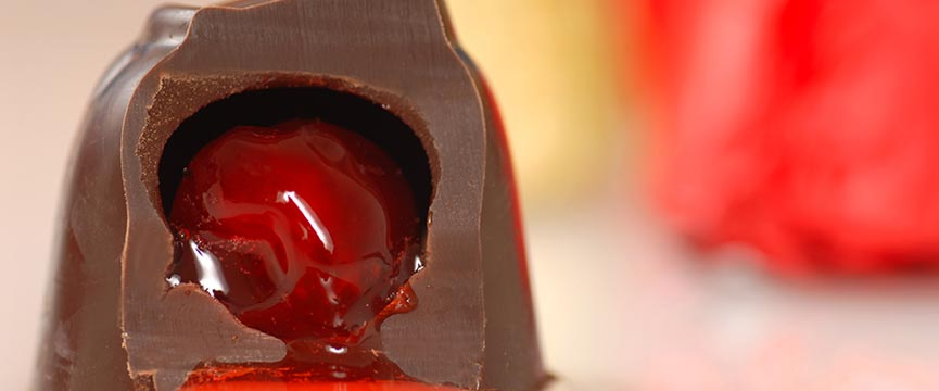 Cherries in liquor are one of the candied fruits for bakeries Lazaya sell for the production of Fruits of Aragon.
